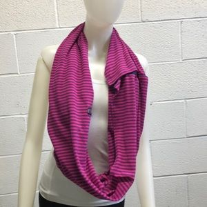 Lululemon pink & navy infinity scarf sz o/s 62402